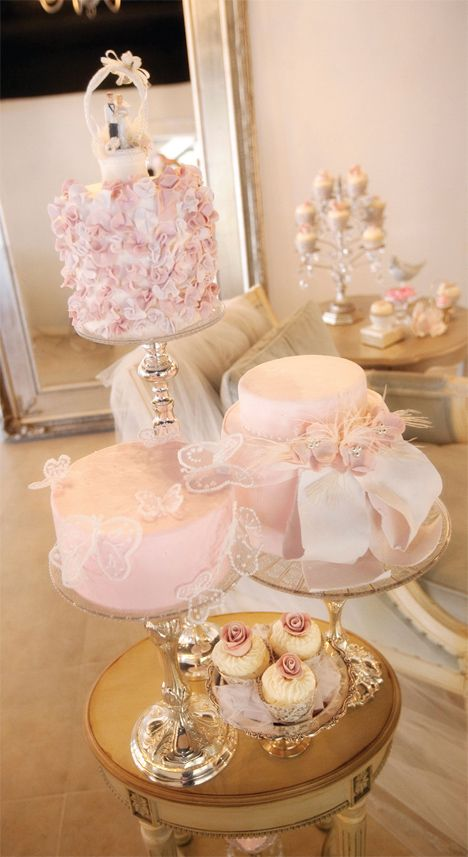 wedding cakes tucson bride groom magazine chris richards photography ambrosia cakes mini. Black Bedroom Furniture Sets. Home Design Ideas