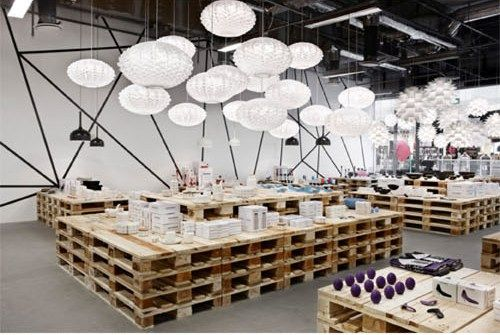 Pop up shop idea, simple construction, low cost materials