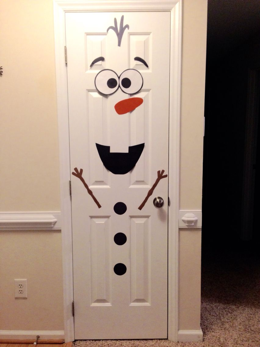 Christmas frozen olaf snowman door decorar pinterest for Arreglos navidenos para puertas