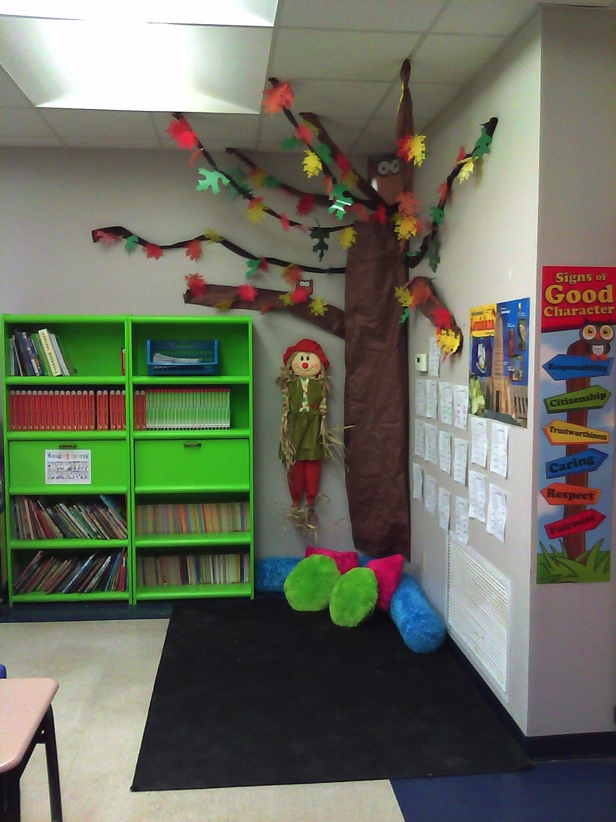 Classroom Corners Ideas ~ My fall tree reading corner love this idea change the