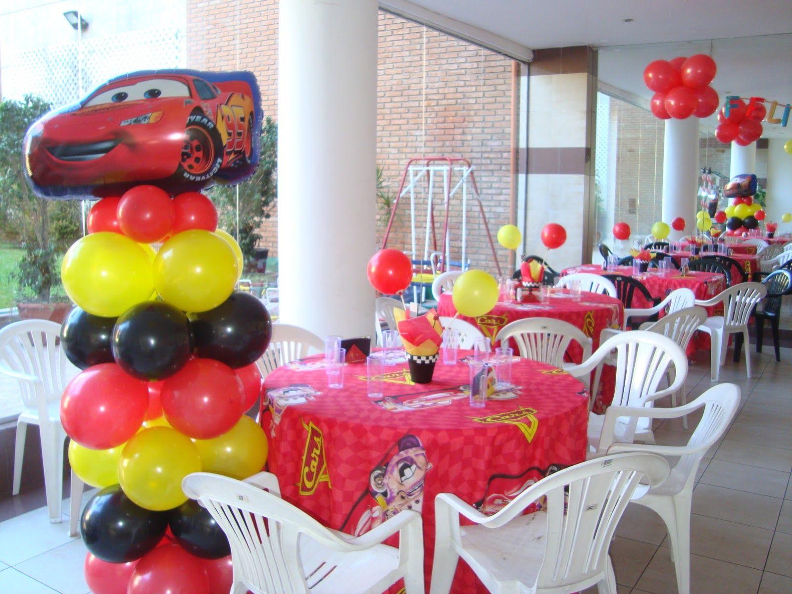 Cars Table Decorations Centros De Mesa De Cars Con Dulces Buscar Con Google