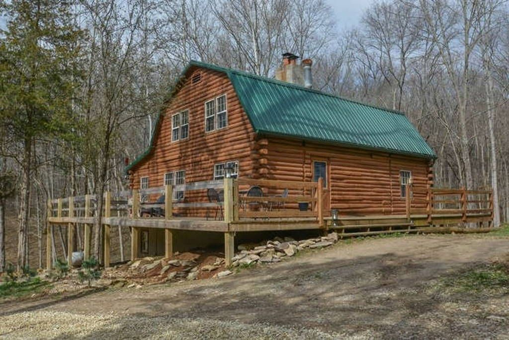 Cabin In Bloomington United States This Log Home Is Nested In 17 Wooded Acres Rock Creek Beds Beautiful Ravines 5 Miles To Lake Monro Log Homes Cabin Acre