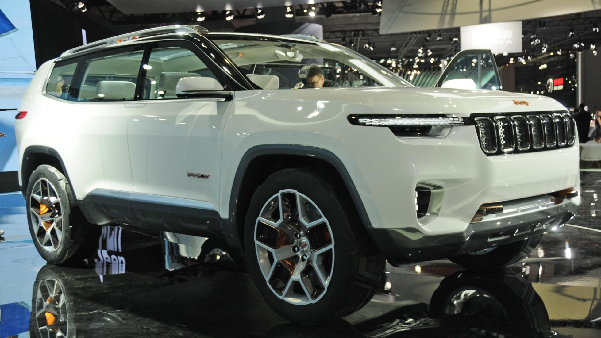 Is This Jeep S New Discovery Rival Plug In Hybrid Suv 7 Seater