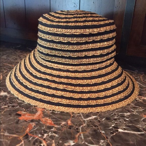 """Eric Javits Sun Hat Beautiful ribbons sun hat, 50+ sun protection.  Black/straw mix color.  Like new worn less than 6 times for short lengths of time. 22"""" inner circumstance, 3.5"""" brim width. Eric Javits Accessories Hats"""