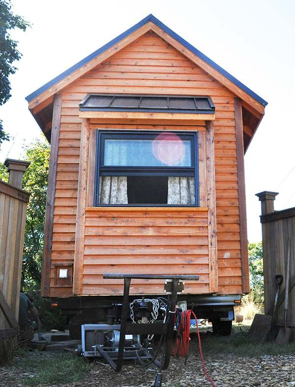building a tiny home on a trailer read this first tiny house rh pinterest ca