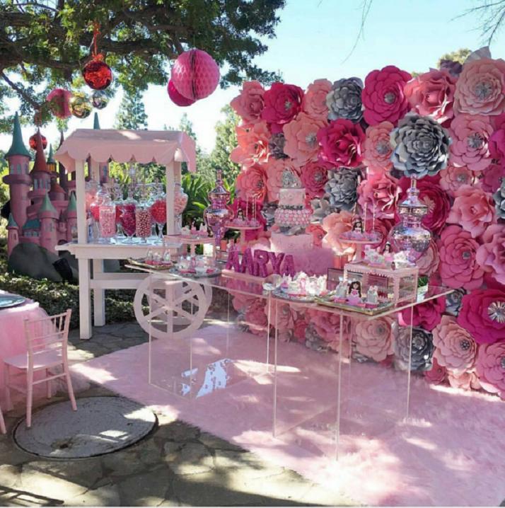 Resultado de imagen de flores gigantes con papel flores for Papel de decoracion