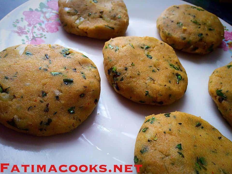 aloo ki tikki spicy potato cutlets fatima cooks recipe in 2020 potato cutlets potato on hebbar s kitchen recipes aloo tikki id=57236