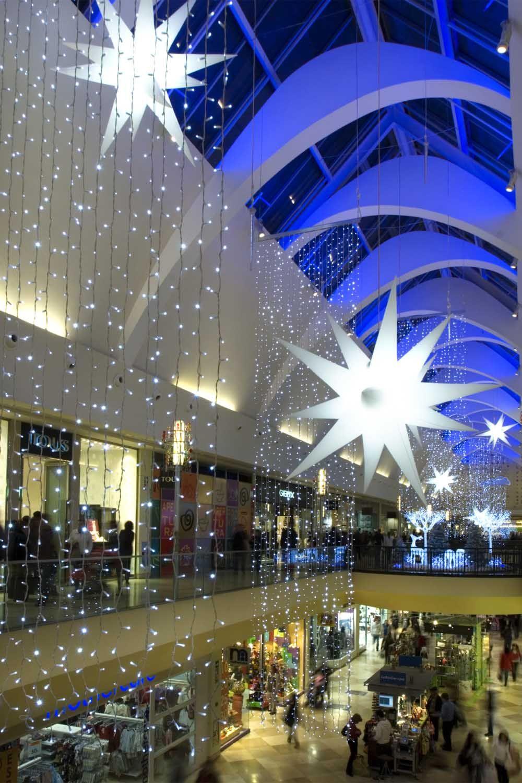 Decoraci n navidad centros comerciales fabregat estrellas for Decoracion navidad
