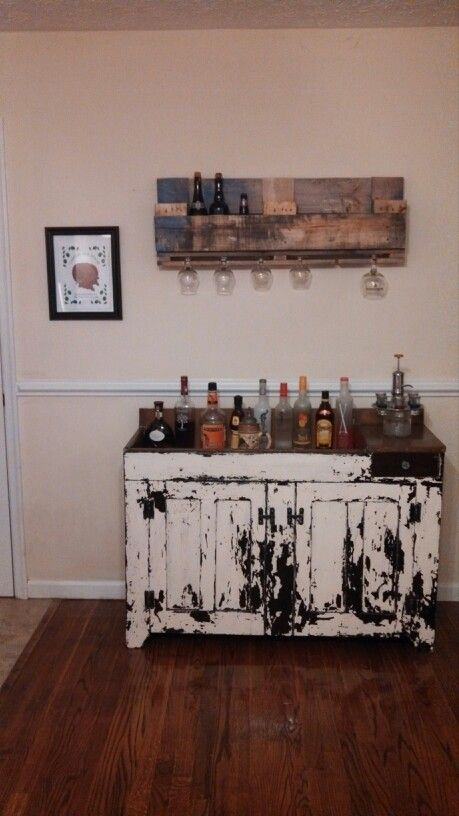 Distressed dry sink bar with a beer rack made from pallets ...