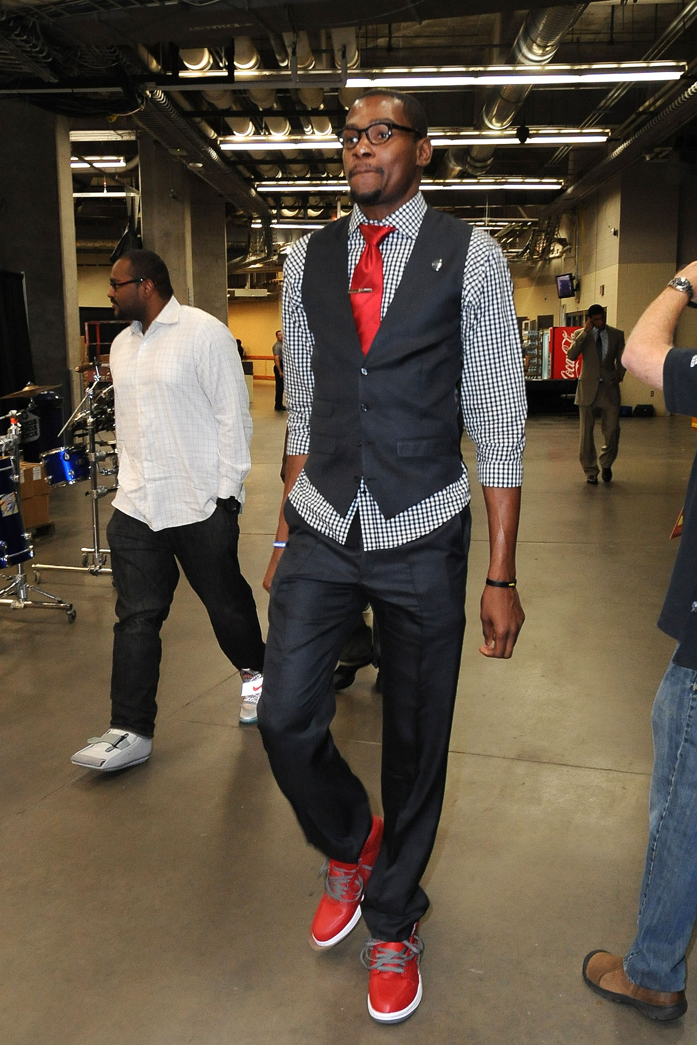 Kevin Durant, vest, red sneakers, glasses, Oklahoma City