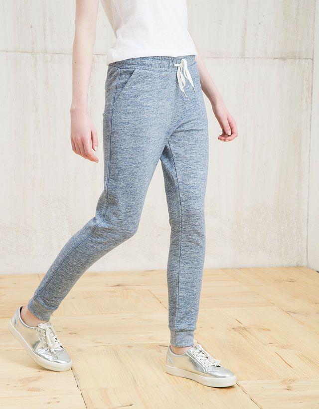 Descubre las últimas tendencias en Pantalones en Bershka. Entra ahora y  encuentra 160 Pantalones y nuevos productos cada semana