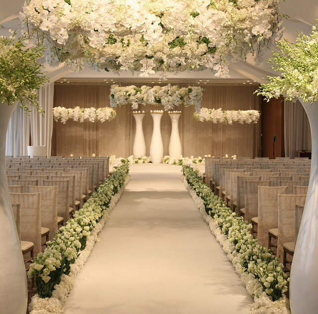Wedding Altar Dance: Love The Hints Of Green With The White