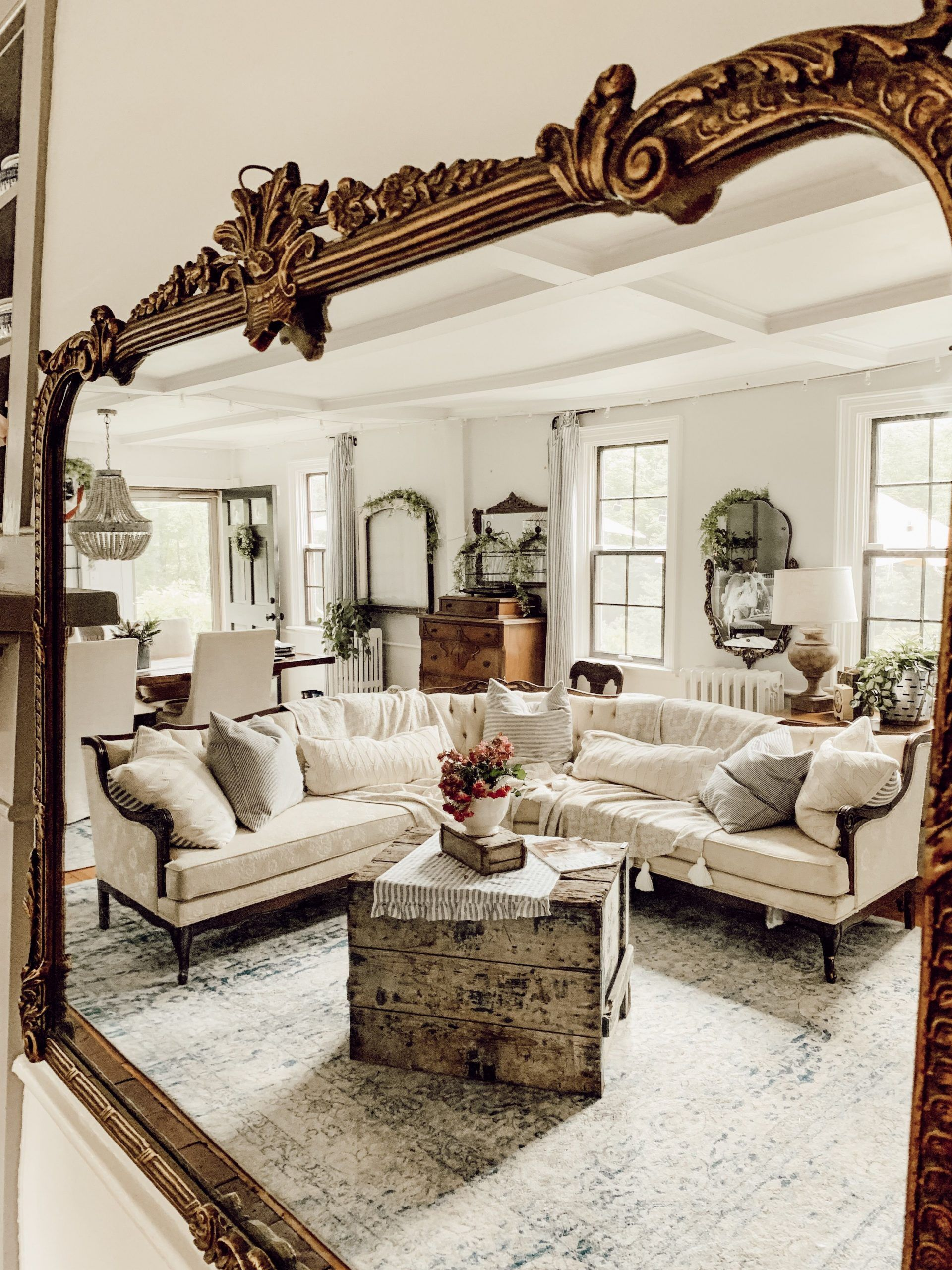 Antique Living Room Decor Rustic Farmhouse Antique Living Room Vintage Mirror In 2020 Farm House Living Room Antique Living Rooms French Country Living Room