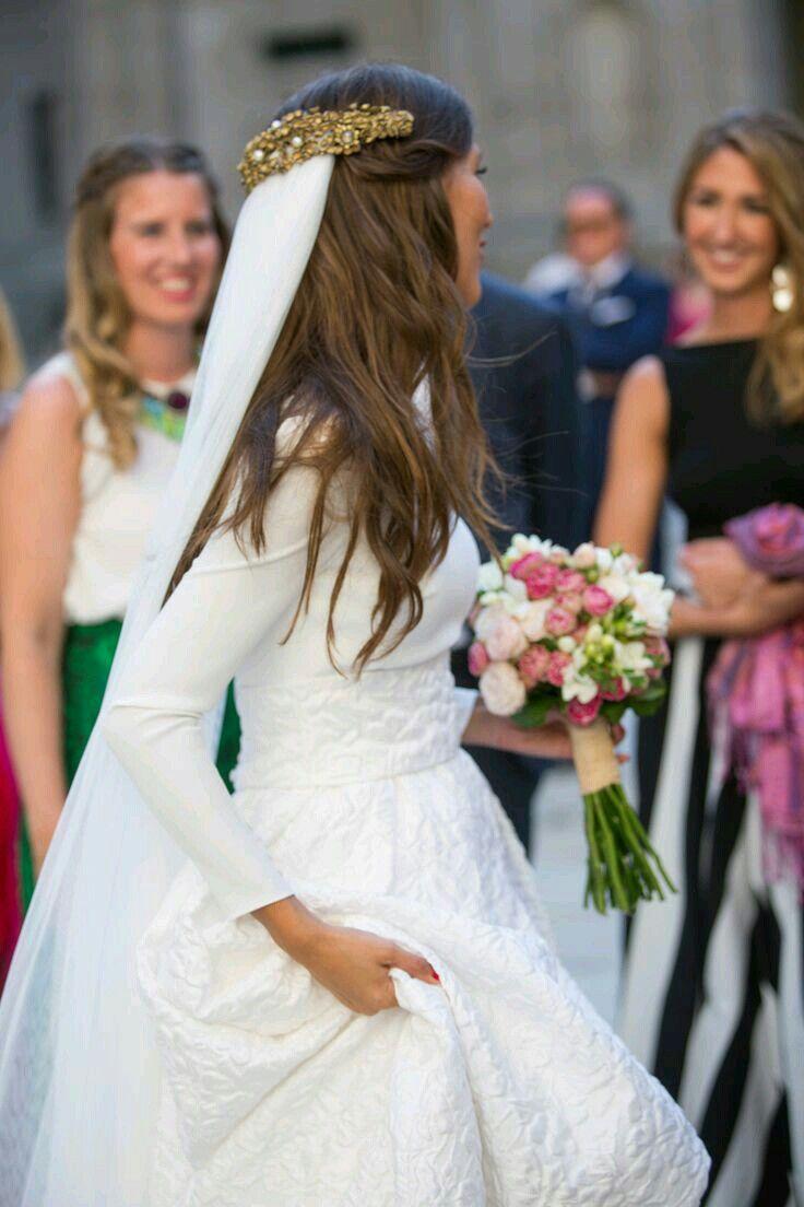 Pin von Fofo Tsekka auf νυφη | Pinterest | Frisur und Kleider