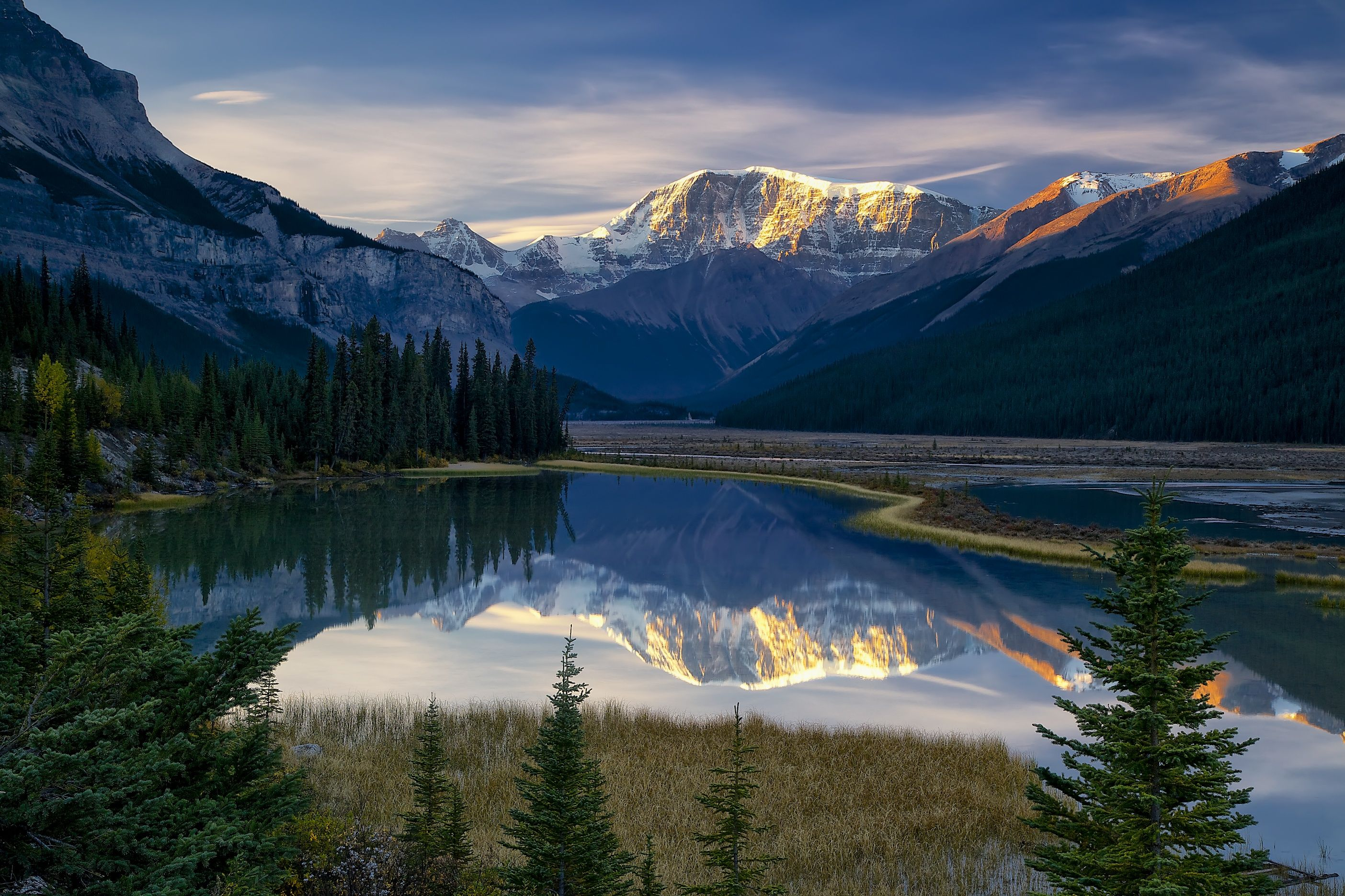 Canada Of Diverse And Beautiful Landscapes In World. Description