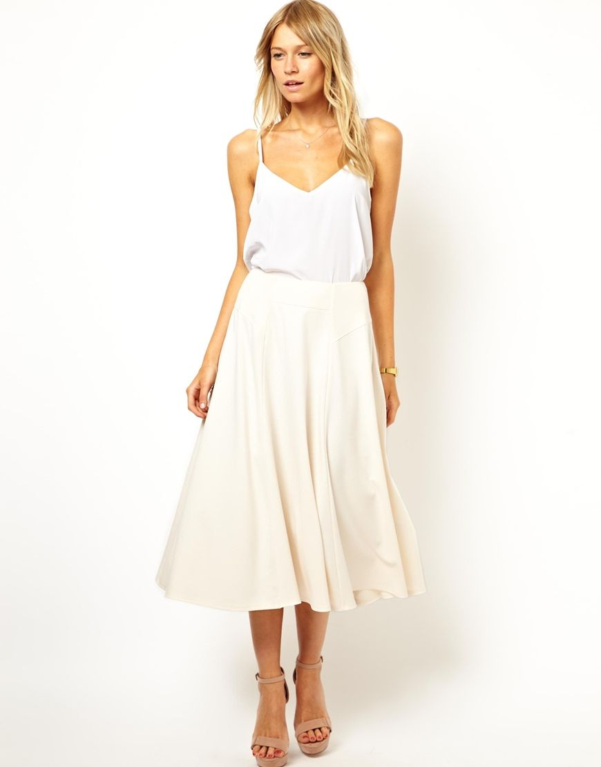 Light on light and flowy skirts are so perfect for summer time