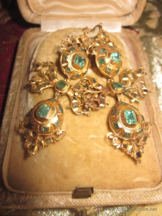 3225e7d49a23 SPANISH 18th c. GOLD AND EMERALD EARRINGS. | My Passion Jewellery ...