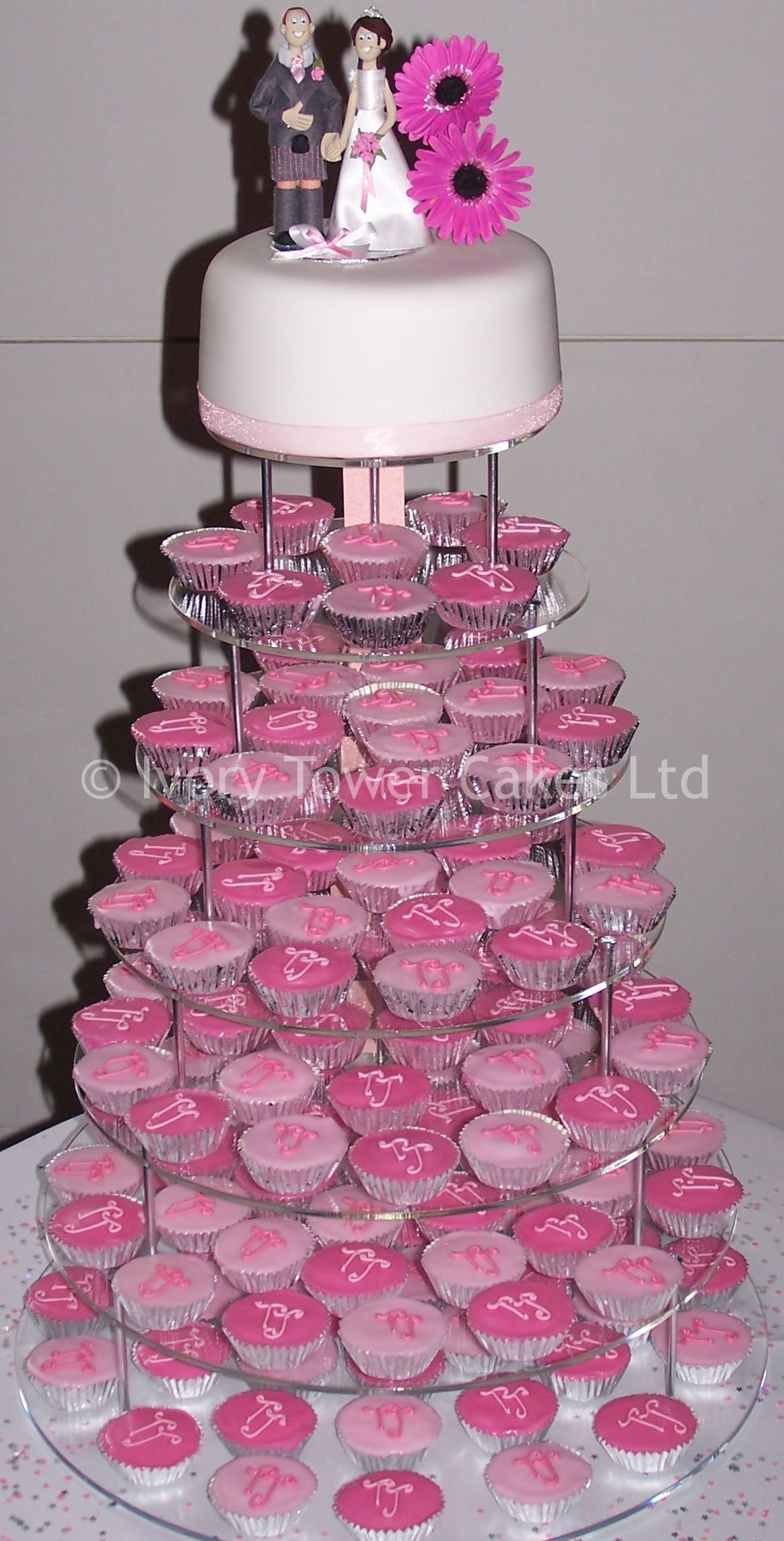 Wedding fondant cupcakes with sugar flowers by ivory tower cakes wedding fondant cupcakes with sugar flowers by ivory tower cakes junglespirit Gallery