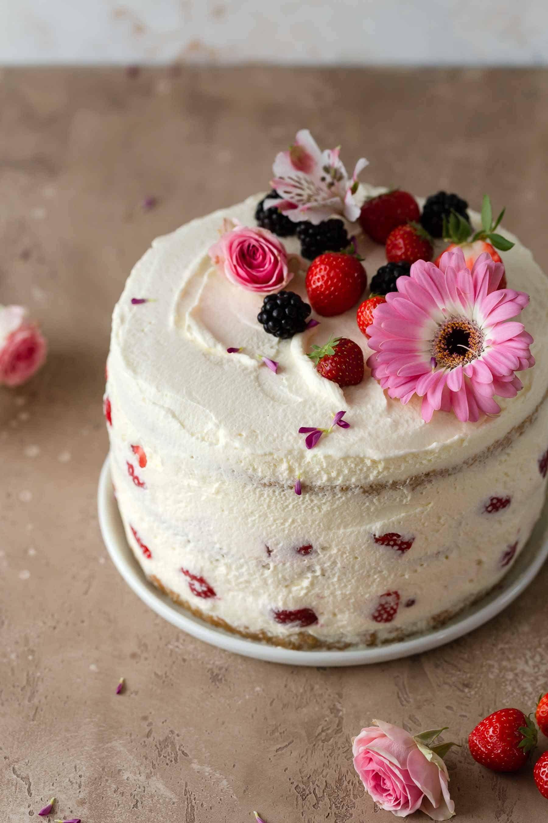 Strawberry Cake Is My Favorite Summer Dessert And So Easy To Make Strawberry Cake Strawberrycake Strawberry Cake Strawberry Layer Cakes Dessert Recipes