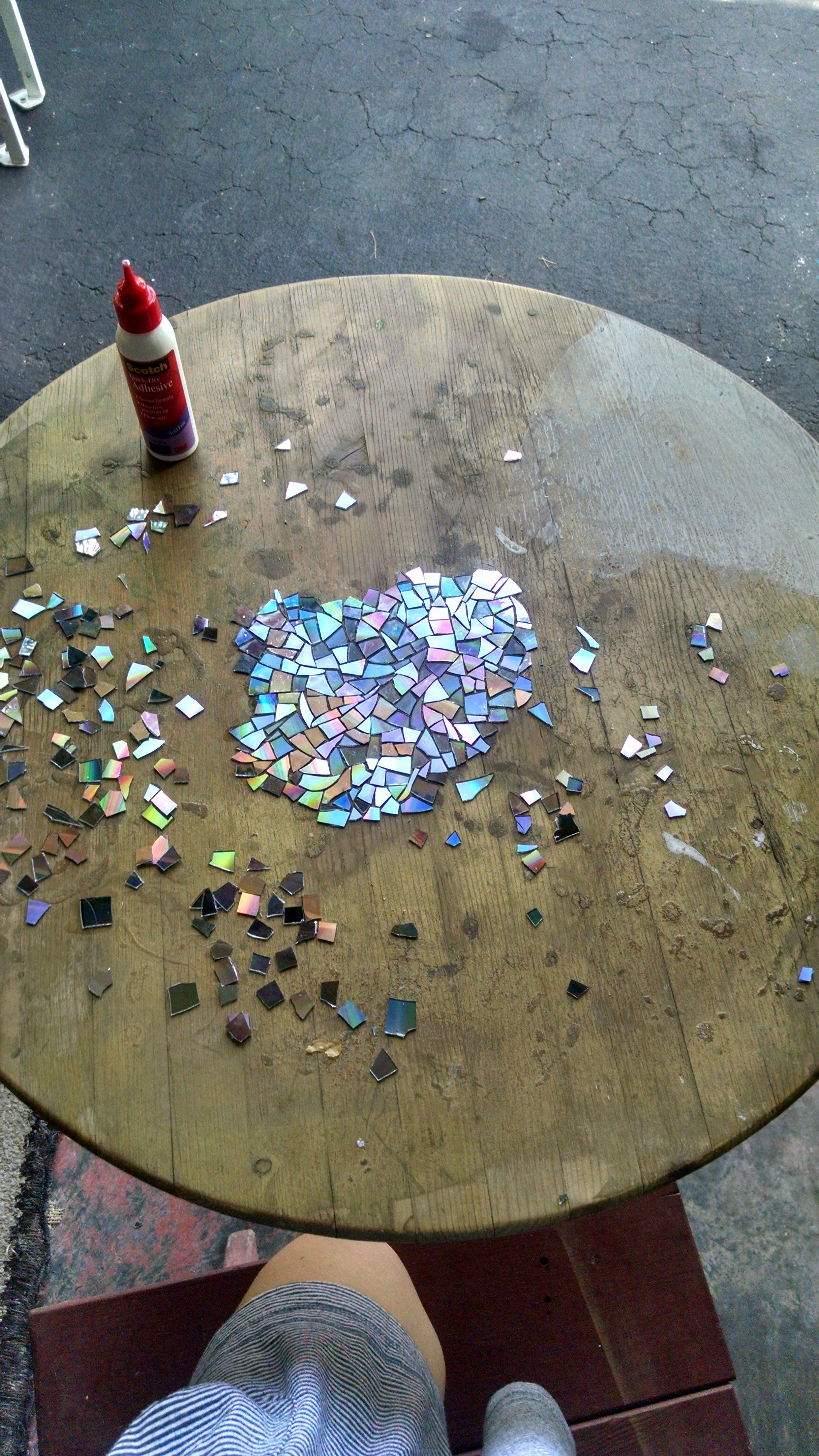 i made a mosaic tabletop using broken cds finishing it before christmas is my little present to. Black Bedroom Furniture Sets. Home Design Ideas