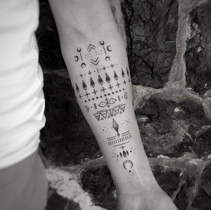 Homme Tatouage Graphique Tarif Avant Bras Symboles Tattoosformen