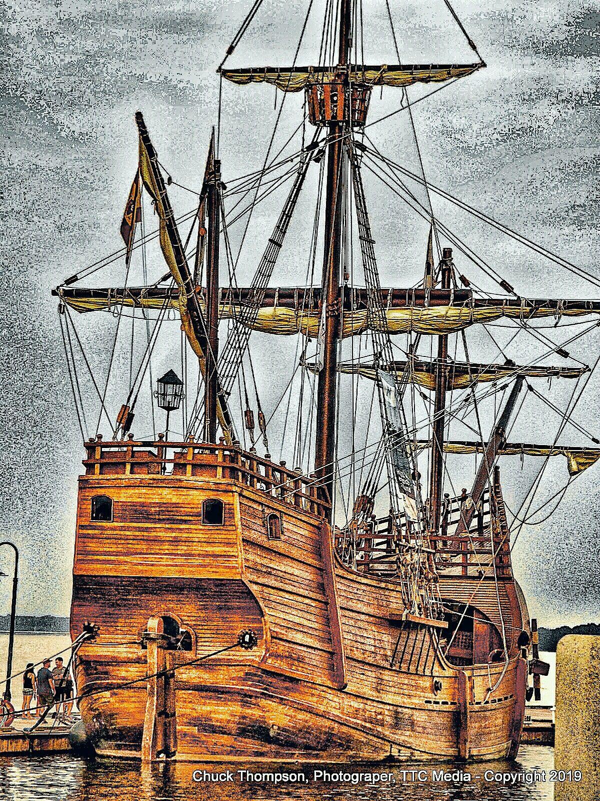 Pin By Ttc Media On The Santa Maria Christopher Columbus Flag Ship Sailing Ships Sailing Christopher Columbus