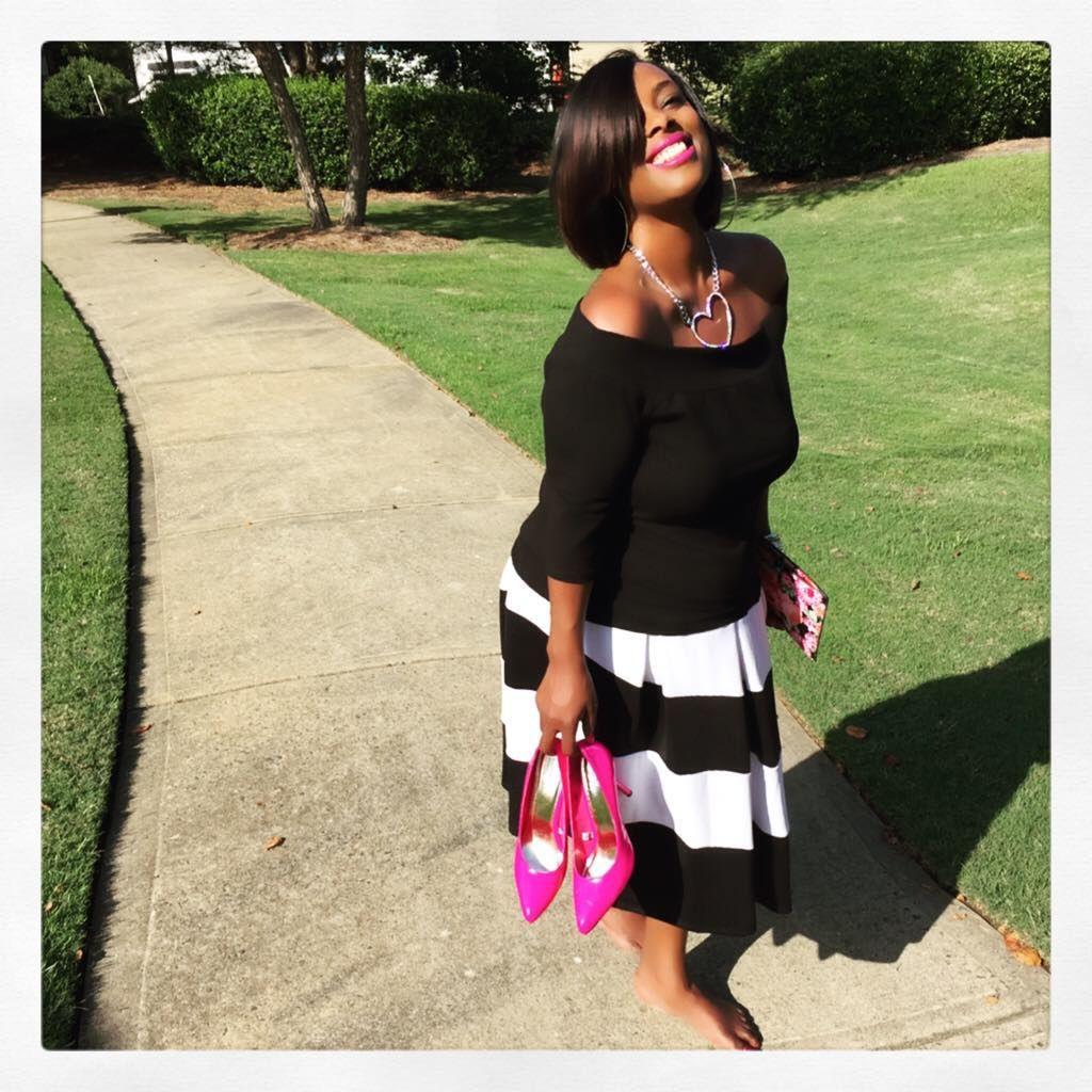 T-to-the-GIF! Footloose and Fancy Free is now up where? On the blog! ⬆️ Link in bio.  #potd #ootd #photooftheday #bestoftheday #instadaily #instagood #instacool #igers #webstagram #fashion #fashionblogger #style #look #plussizefashion #love #charlotte #704 #picoftheday #effyourbeautystandards #bodypositive #curves  #smile #barefoot #plus_isamust #stylefilesplus #cns2 #fashionforwardplus #celebratemysize #boldncurvy
