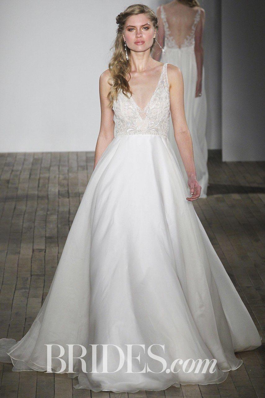 60 best wedding dresses for pear shapes brides wedding
