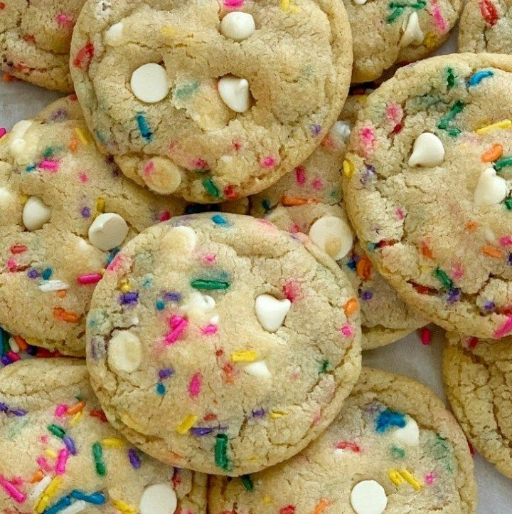 White Chocolate Funfetti Pudding Cookies | Pudding Cookie Recipe | Funfetti Cookies | Funfetti Cookies are loaded with white chocolate, funfetti sprinkles, and instant pudding mix which makes them so thick, chewy, buttery, and soft-baked! These funfetti cookies will stay soft for days! #cookierecipe #cookies #puddingcookies #dessertrecipe #easyrecipe #recipeoftheday #snickerscheesecake