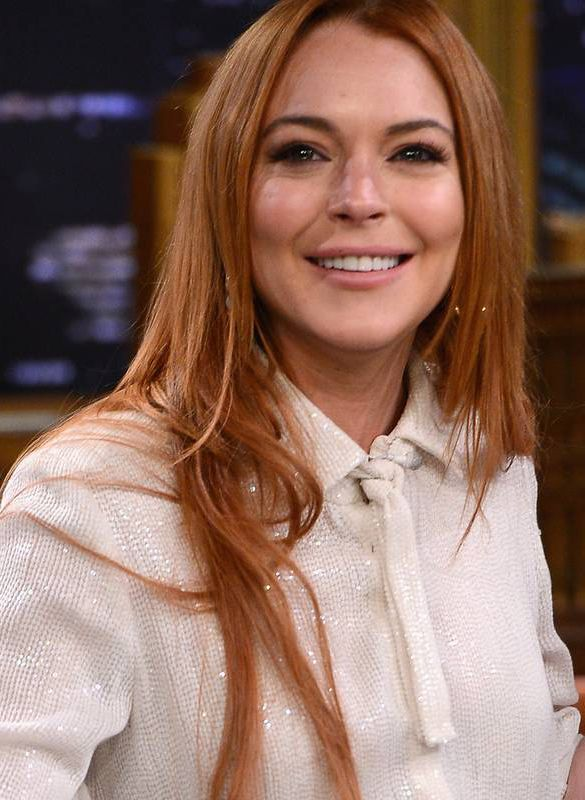 Lindsay Lohan Does the Ice Bucket Challenge at the Club