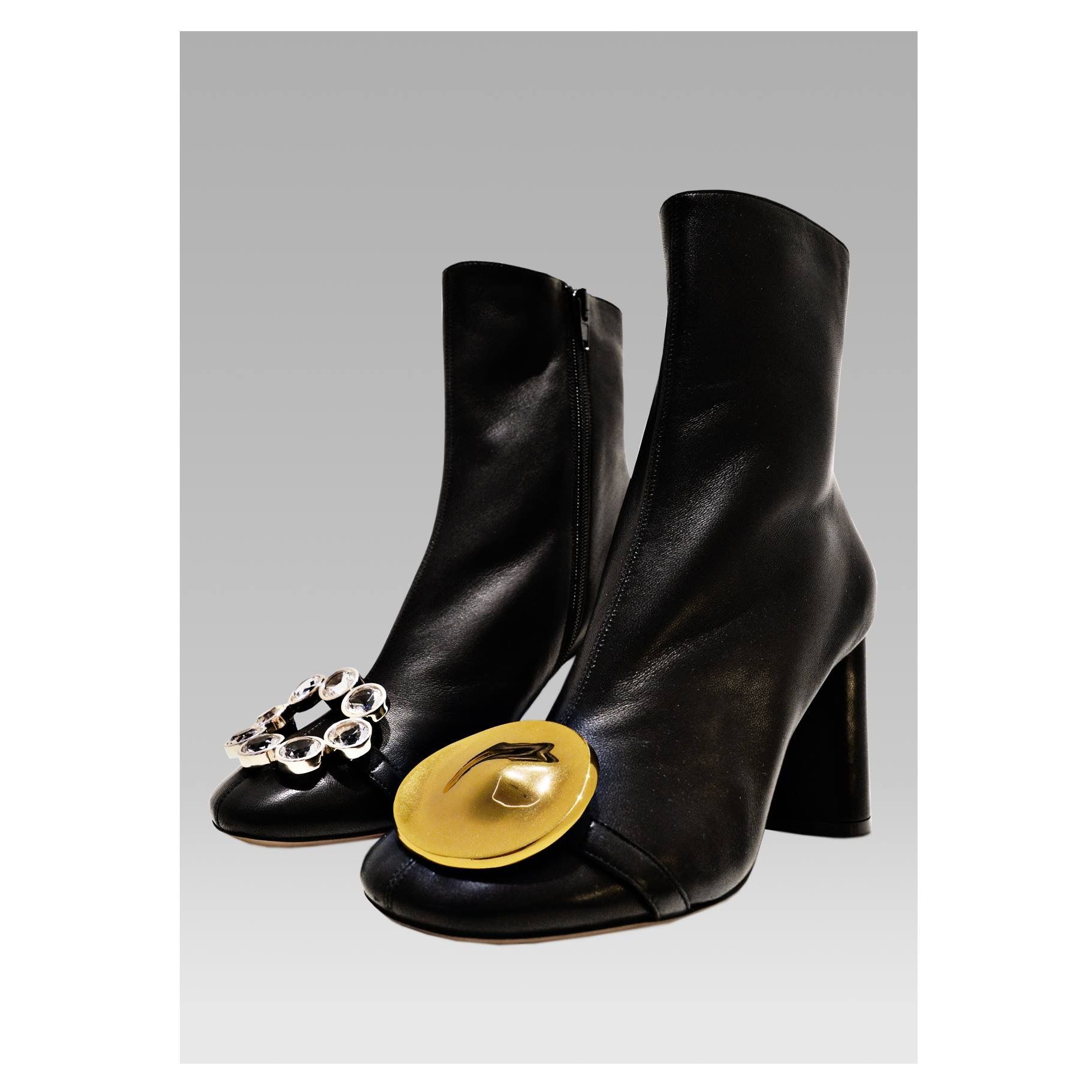 b243149a4d7 CÉLINE elliptic heel ankle boots with opposing jewels | Moda 18 in ...