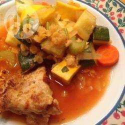 Algerische Hühnersuppe mit roten Linsen - Diese Hühnersuppe mit Linsen auf algerische Art ist sehr sättigend und kann daher gut als Hauptgericht gegessen werden. @ de.allrecipes.com