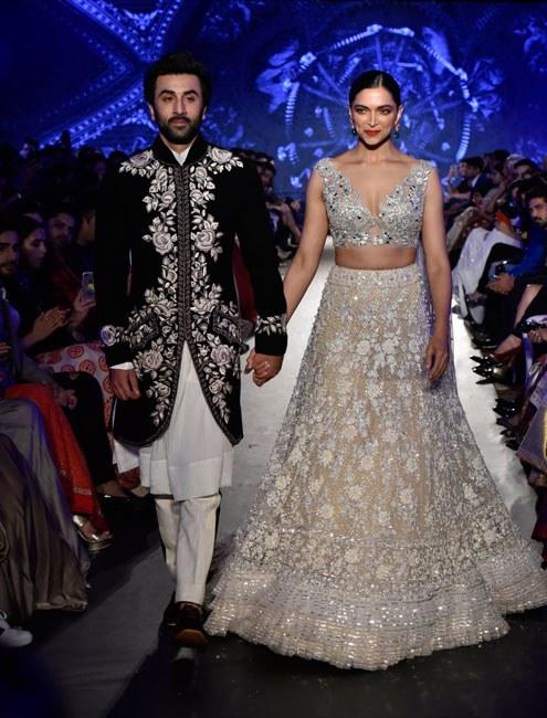 Deepika Padukone And Ranbir Kapoor Get Together For Manish Malhotra Manish Malhotra Designs Designer Bridal Lehenga Deepika Padukone Lehenga