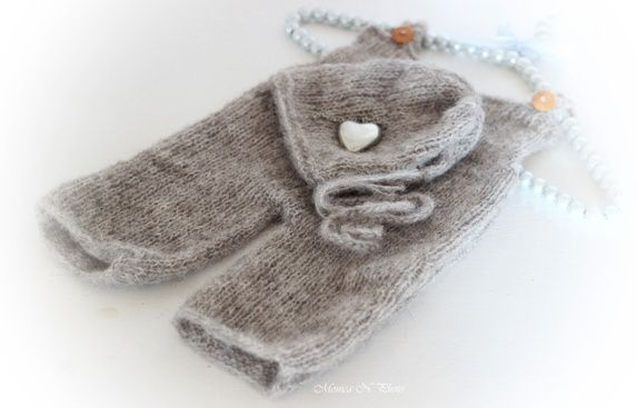 Oppskrift på strikket kyse og bukse - Baby props