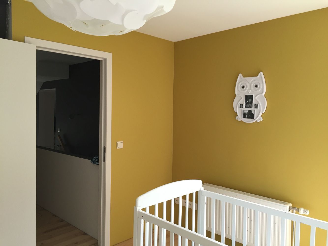 Ambiance murs couleur Jaune moutarde Mustard yellow wall color ...