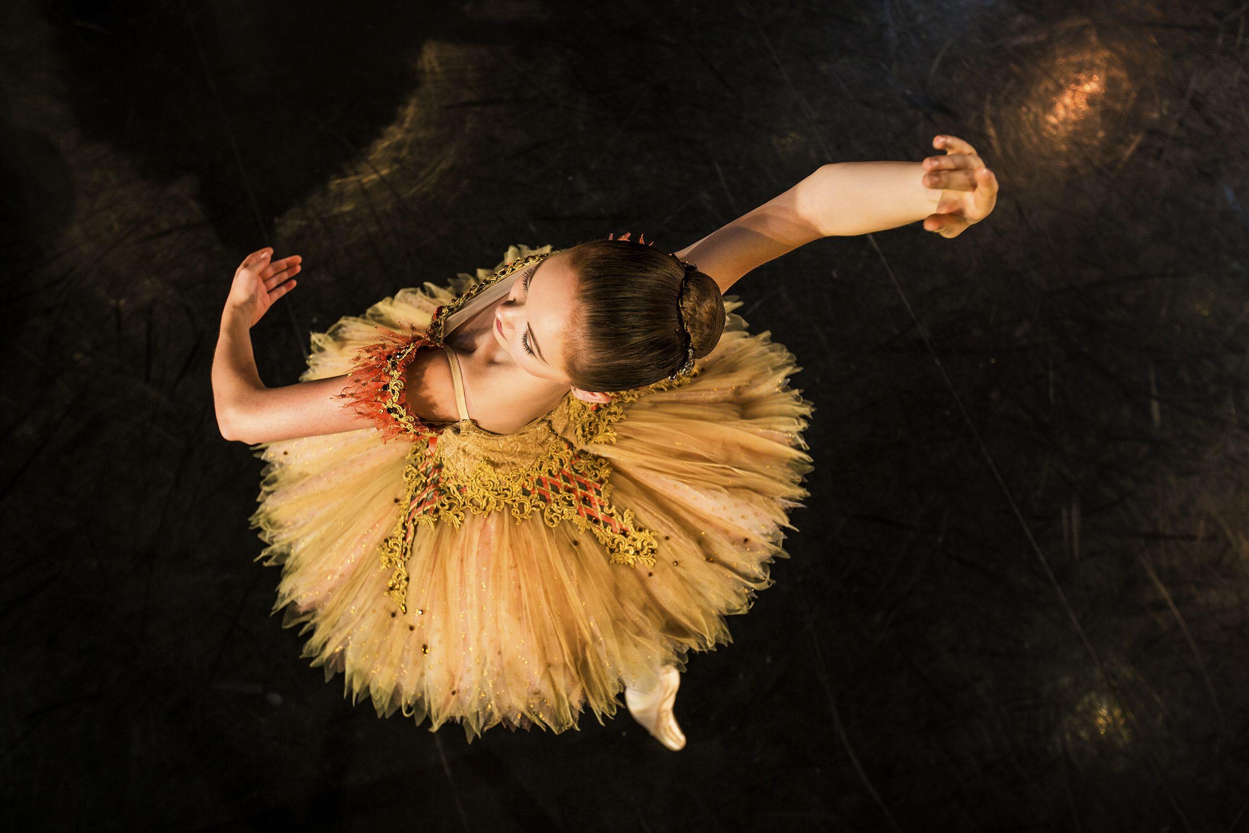 Paquita Royal Winnipeg Ballet School Photo Courtesy Of Stanislav Balyaevsky And The Schools Professional Division Students