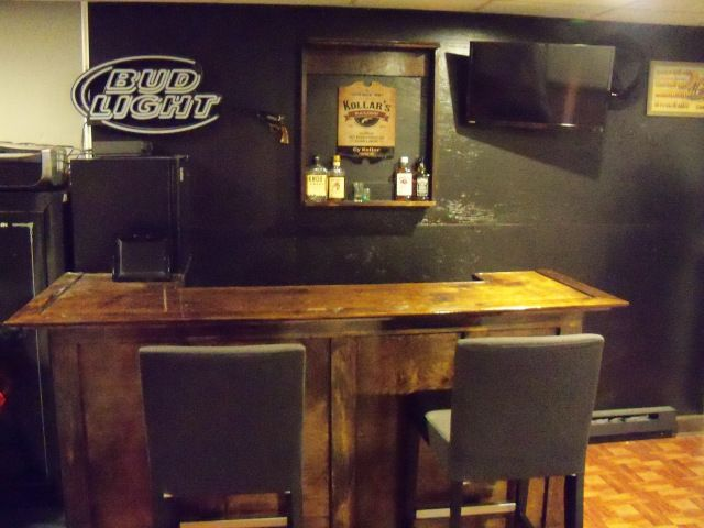 This nice bar was built by one of my readers Cy Kollar.