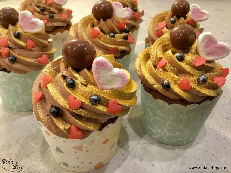 کاپ کیک موز با گنش شکلات تلخ بدون آرد و شکر و لاکتوز وبلاگ ويدا Sweet Treats Food Vegan Foods