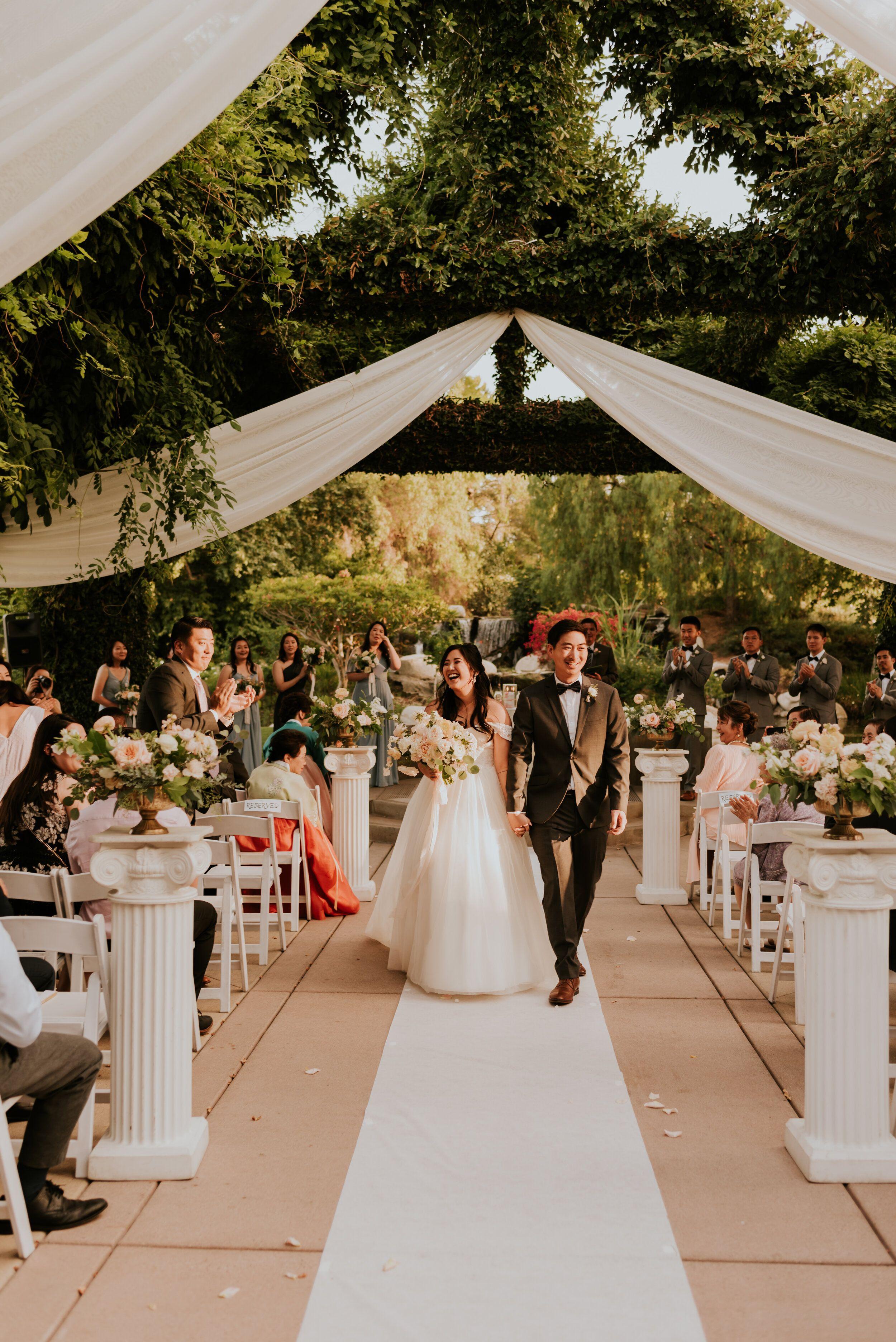 Coyote Hills Golf Course And Fullerton Arboretum Wedding Socal Wedding Venues Wedding Photography Los Angeles California Wedding Photographers