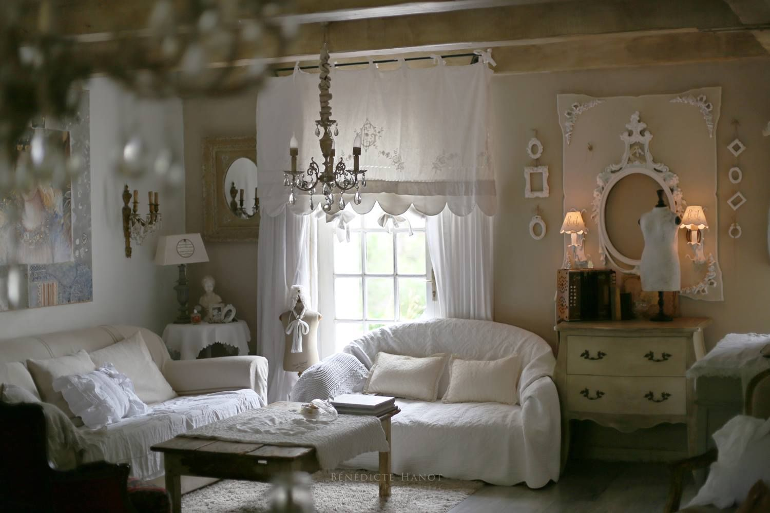 le shabby chic shabby romantic d coration romantique d coration int rieure maison. Black Bedroom Furniture Sets. Home Design Ideas