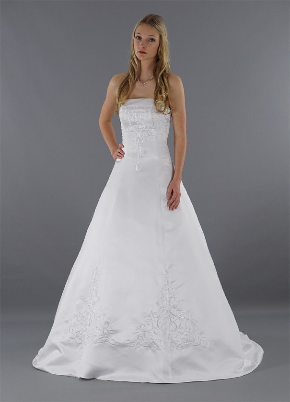 Lara- nach Maß   schlichtes Brautkleid, Brautkleid und Schlicht