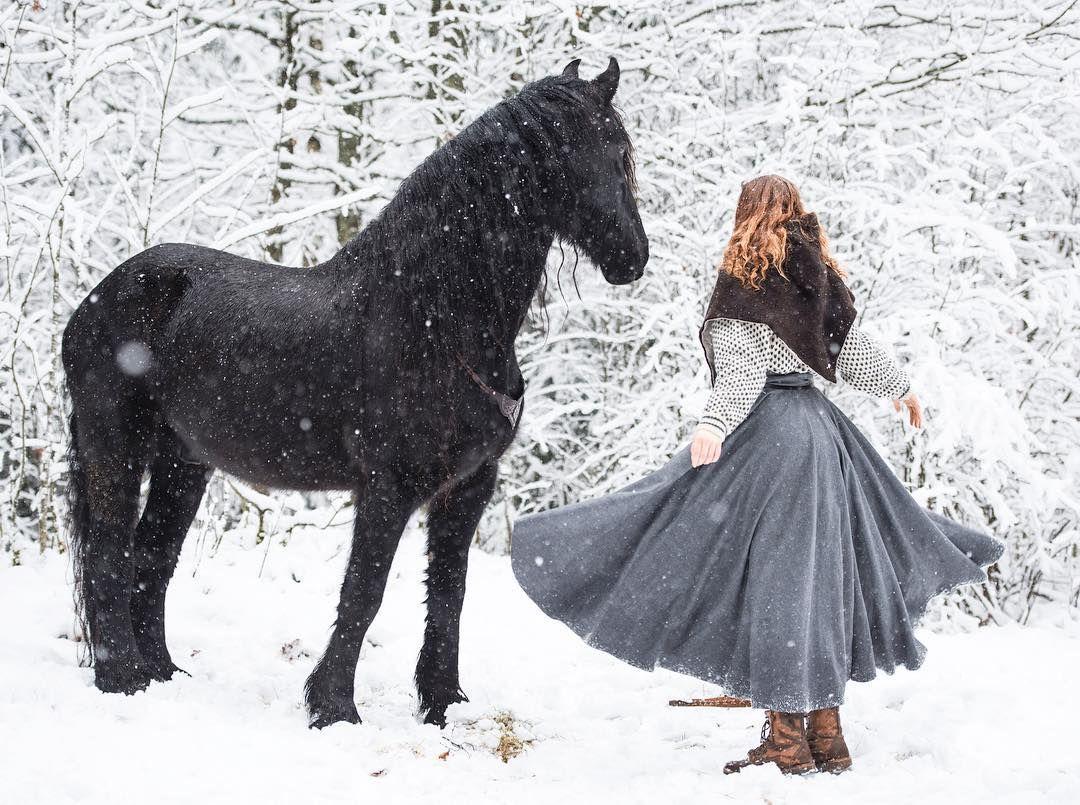 Matilde & Batman the Friesian (@matildebrandt) • Instagram-bilder og -videoer  Get your ridingskirt at www.klesarven.no