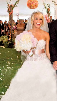 Carrieunderwoodweddingphoto1 one day pinterest carrie carrie underwood at her wedding to canadian hockey pro mike fisher junglespirit Image collections