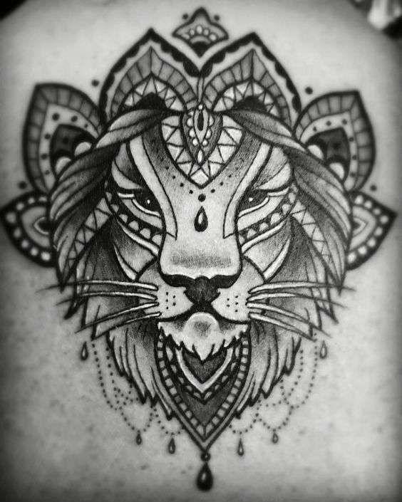 Tatuaggi Portafortuna I Significati Tenditrendy Tatuaggio Mandala Tatuaggi Zodiacali Donne Con Tatuaggio Sul Collo
