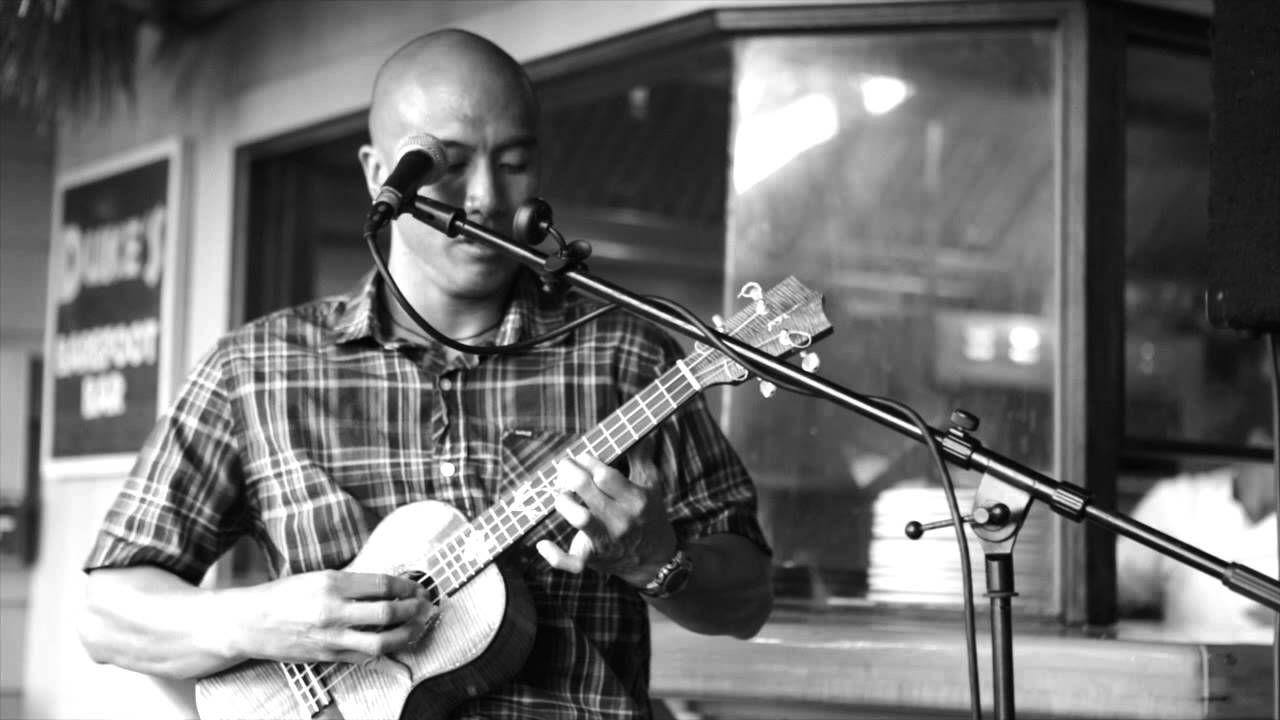 Ben Ahn - I'm Yours 'Ukulele cover :) <3 great ukulele player :)