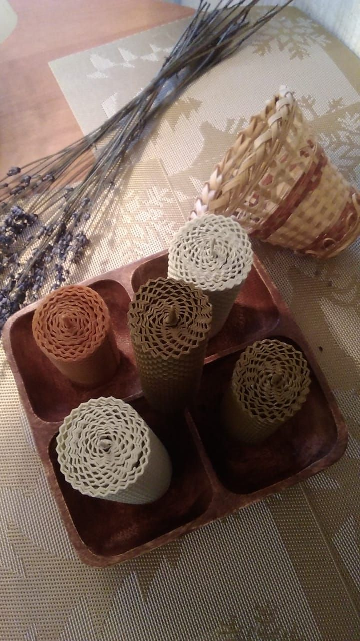 Photo of Set of 5 eco-friendly colored beeswax candles Made from hand-rolled wax leaves Different colors Rustic decor Home decor Wedding favors
