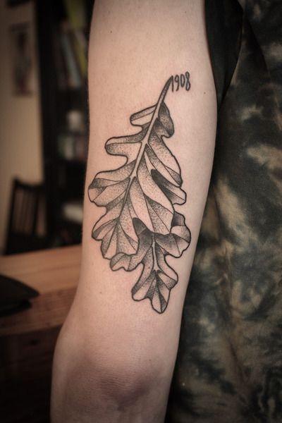 10+ Best oak leaf tattoos ideas | oak leaf tattoos