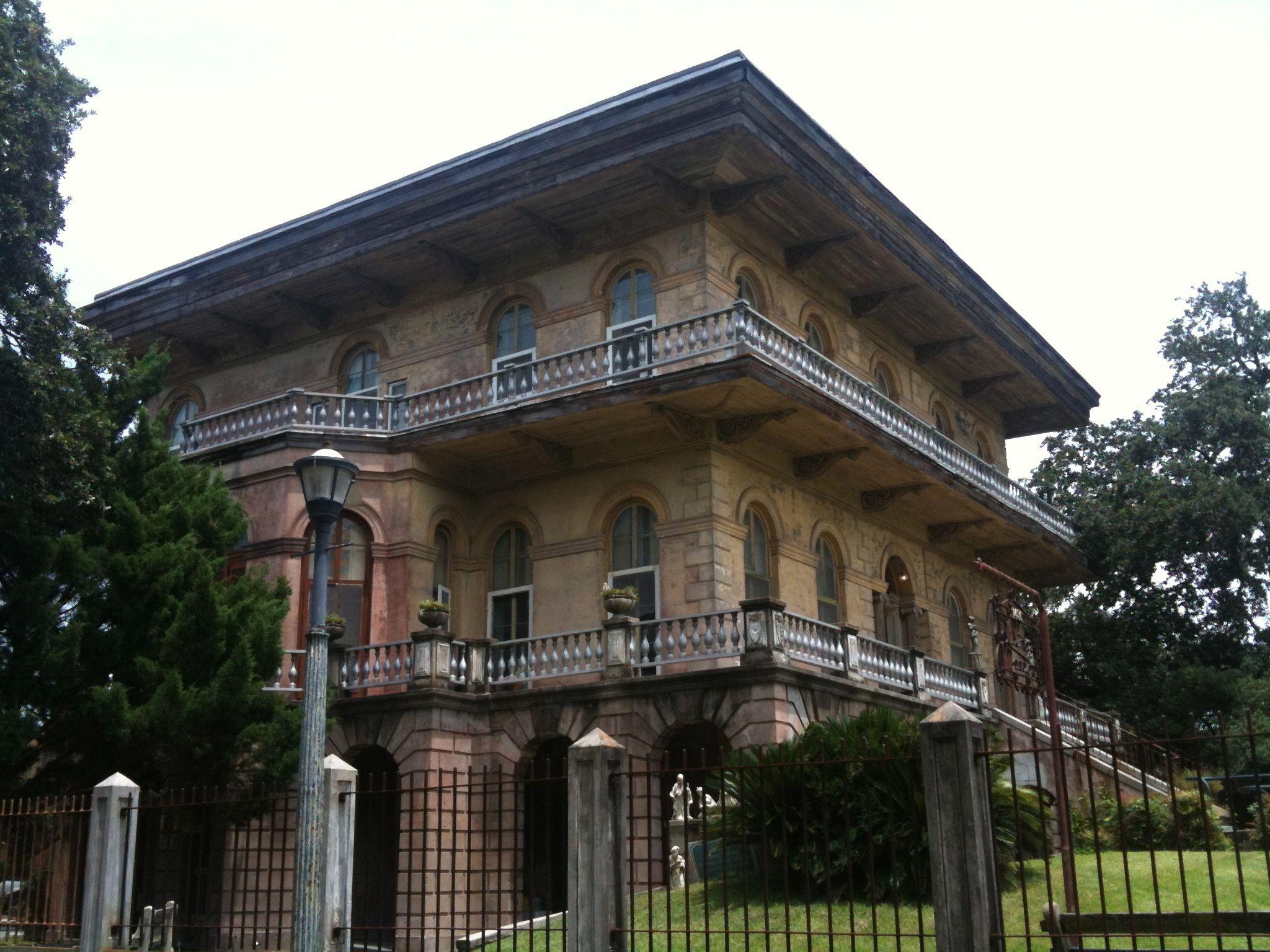Luling Mansion Faubourg St John New Orleans La Mansions Beautiful Places Favorite City