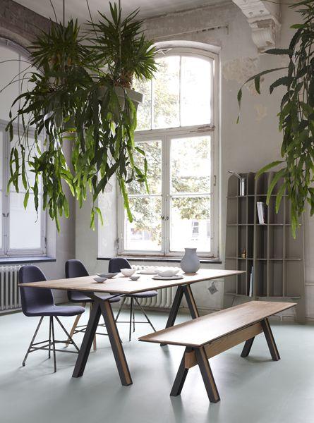 De Blakeley 003 van Roderick Vos. De combinatie industrieel met het fijne van hout maakt het tot een unieke tafel!