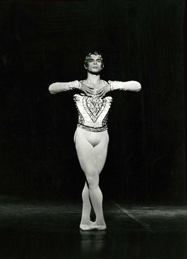 🏳️🌈 Rudolf Nureyev (@NureyevClub)   Twitter   Ballet